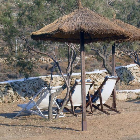 http://folegandros.org/wp-content/uploads/livadi_camping_folegandros_07-540x540.jpg