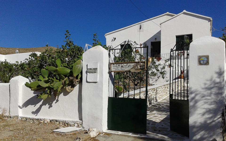 Eleni's Studios in Karavostasi Folegandros